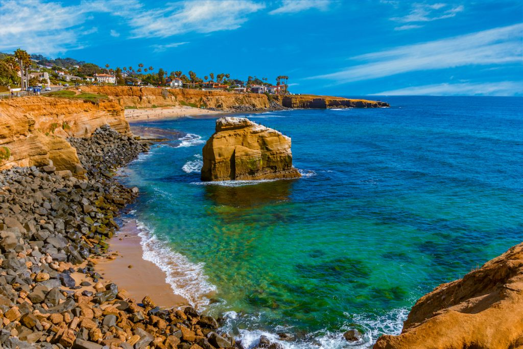 Rugged coastline Point Loma Sunset Cliff Park, San Diego,(P)