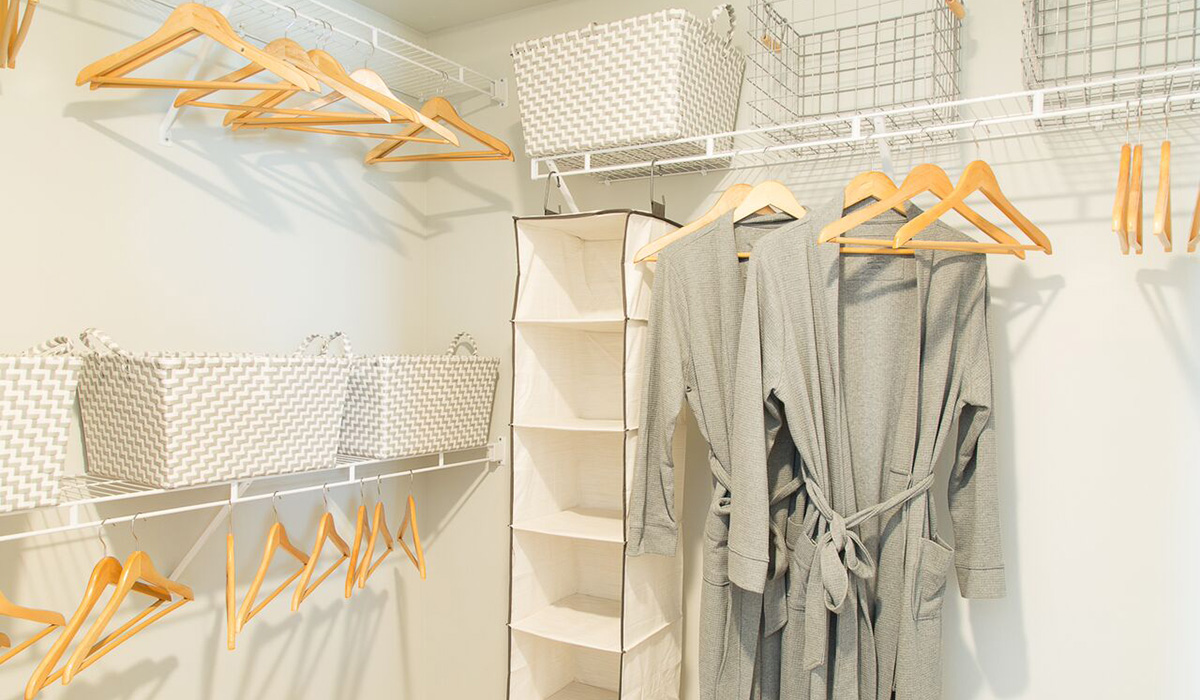 Plan A: Walk-In Closet